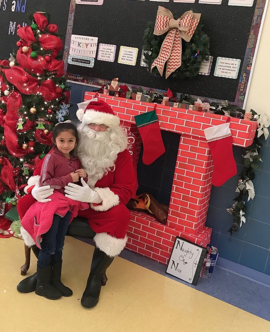 Pine Tree photos with Santa