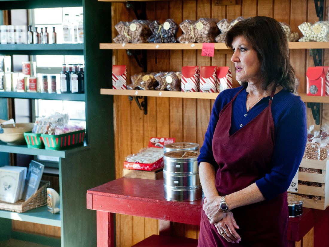 Pecan house sees major fall winter customer traffic for The pecan house
