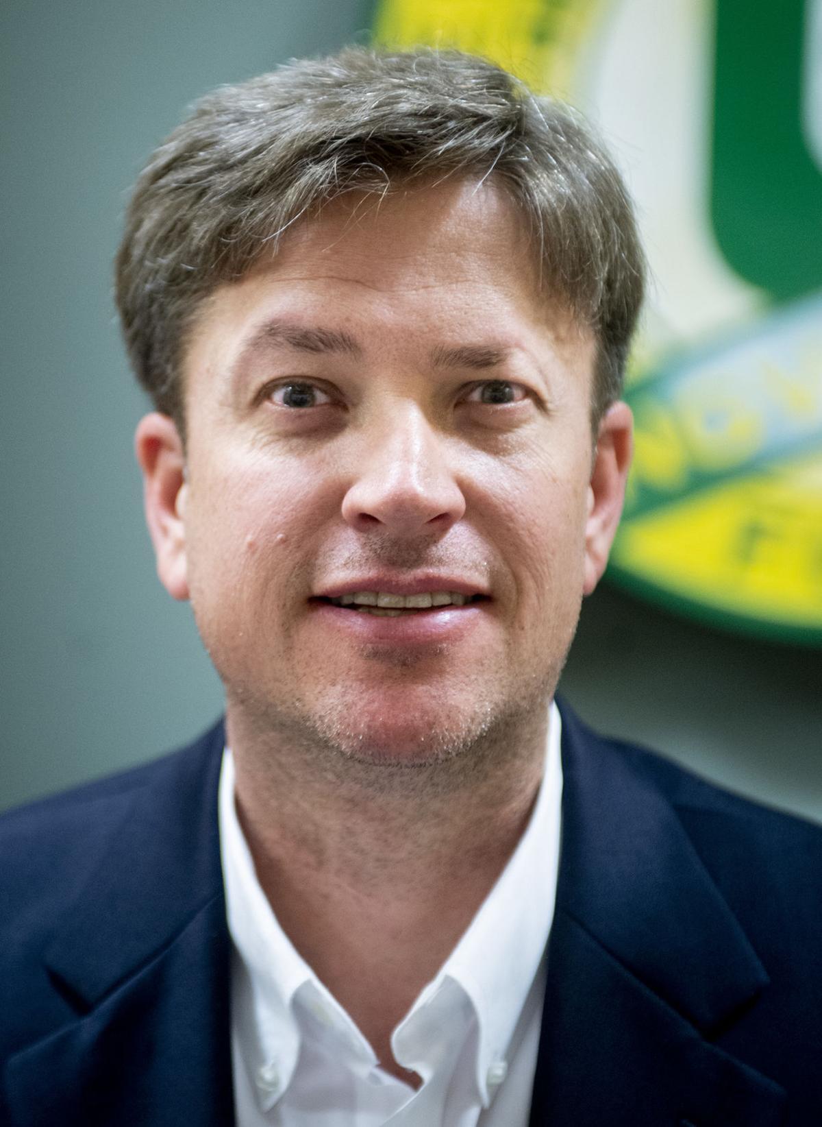 Alan Amos