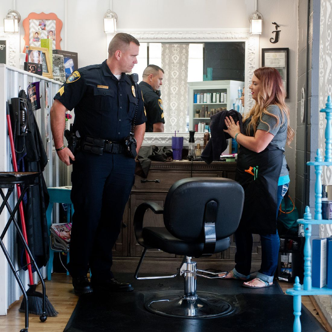 Longview Police Show Appreciation For Free Haircuts Local News