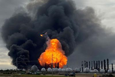 Port Neches Explosion REUTERS TT 03.jpg