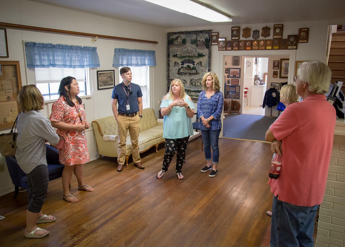 Spring Hill ISD alums preserve former living quarters for teachers, seek historical designation