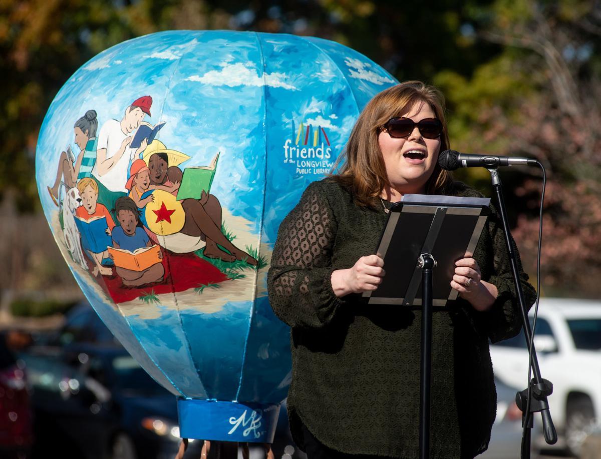 Longview Public Library Balloon Sculpture