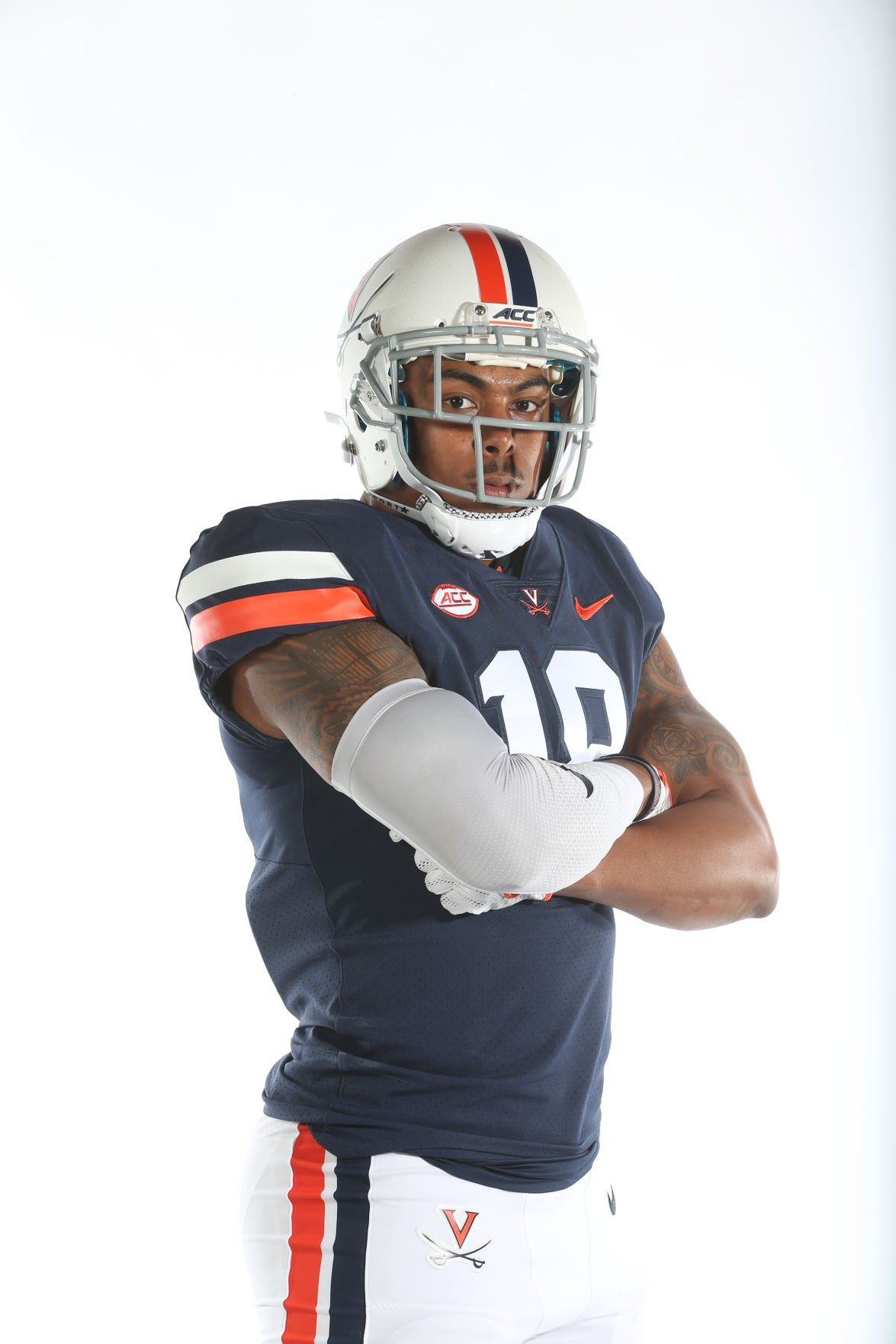 6b0621695e75 A look at the University of Virginia football team s new uniforms.
