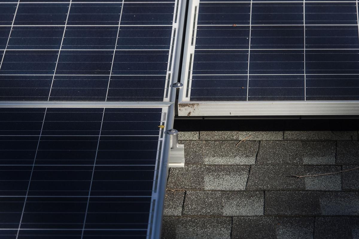 LNA 10022017 Solar Panels 02