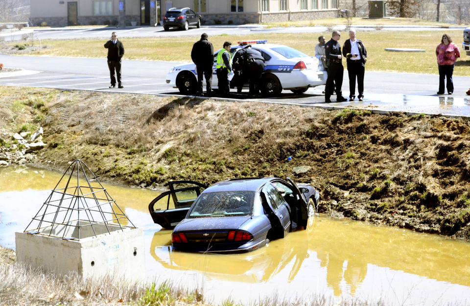 Car crashes into small body of water in Danville ...