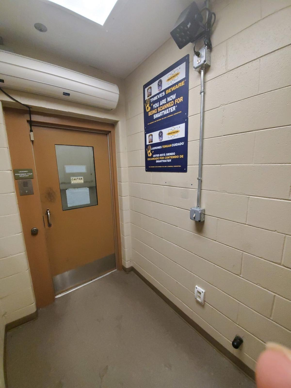 """'SmartWater"""" detection lamp at Chesterfield Jail"""