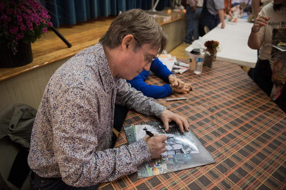 Fans meet Richard Thomas as part of Waltons Mountain Museum 25th anniversary