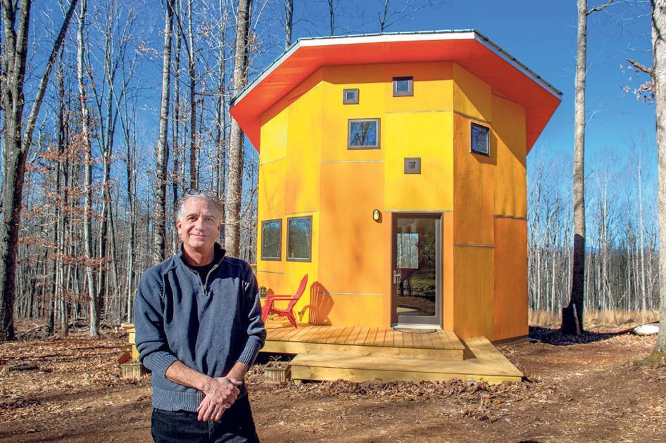Tiny Grandeur Amherst Man Sells Small Octagonal Home