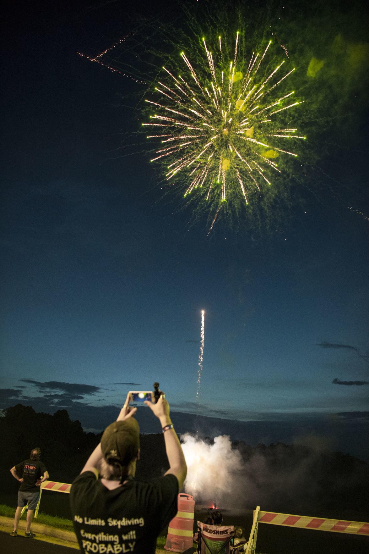 20200702_amh_news_fireworks_p2