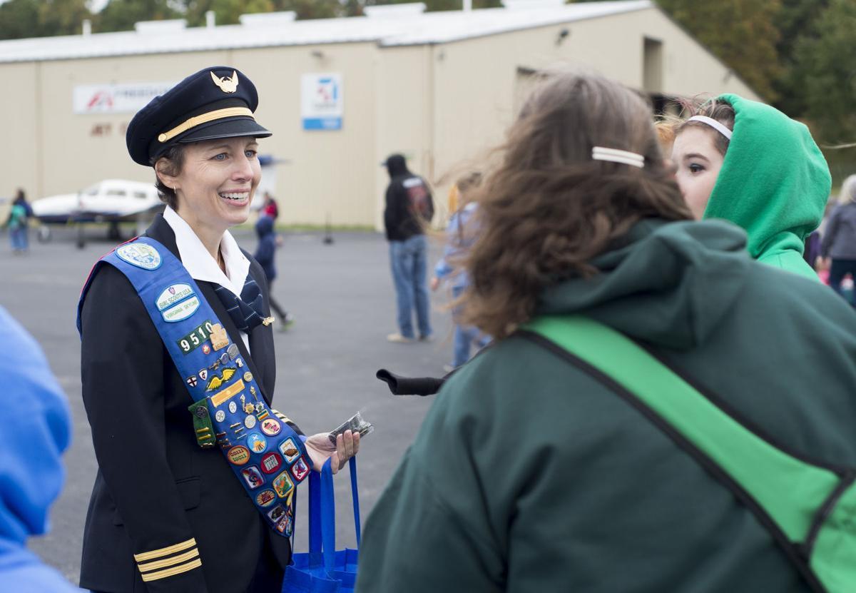 LNA 10112015 girl scouts aviation 4