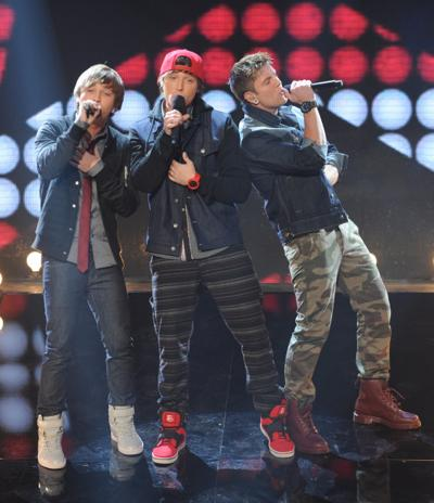 X-Factor' recap: EMBLEM3 falters with Monkees tune, Carly