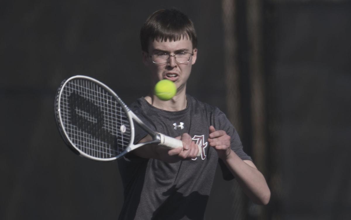 AMH 0425 Tennis1