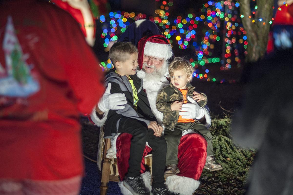Leesville Road House Lights Up Night With Christmas Cheer