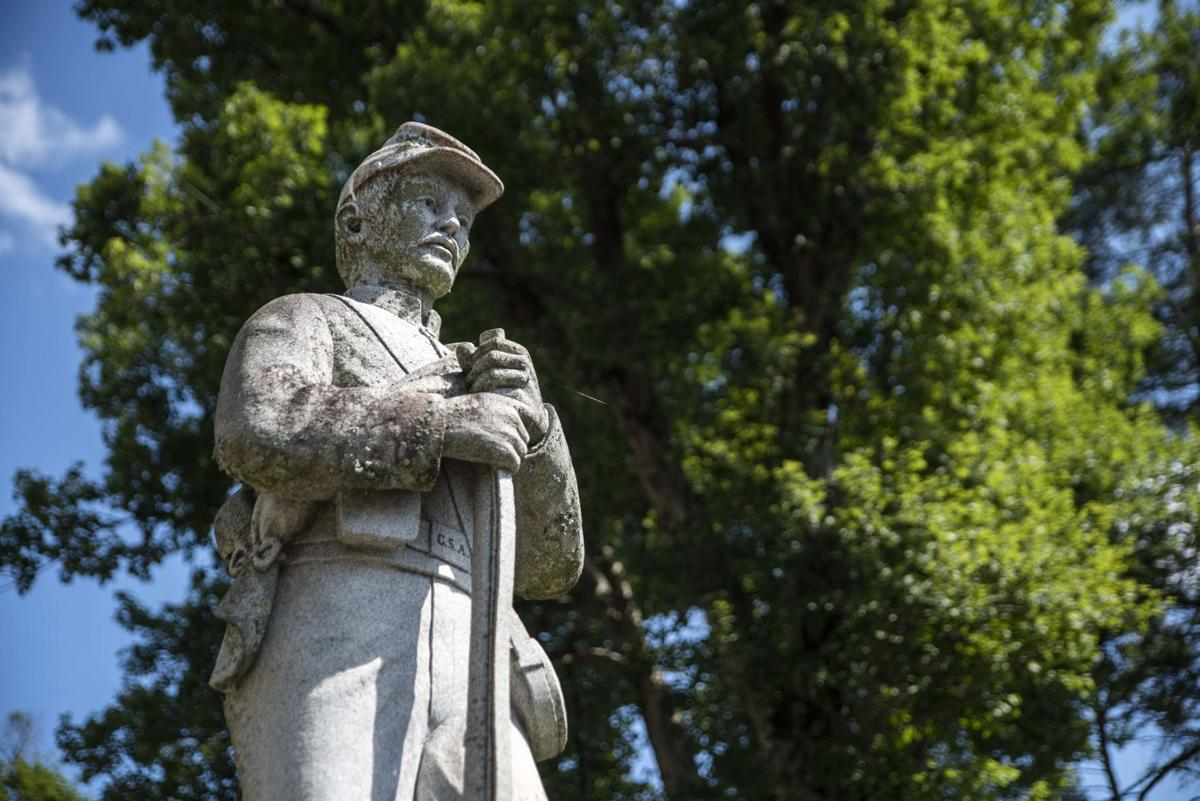 Confederate Statue outside of Nelson County Courthouse