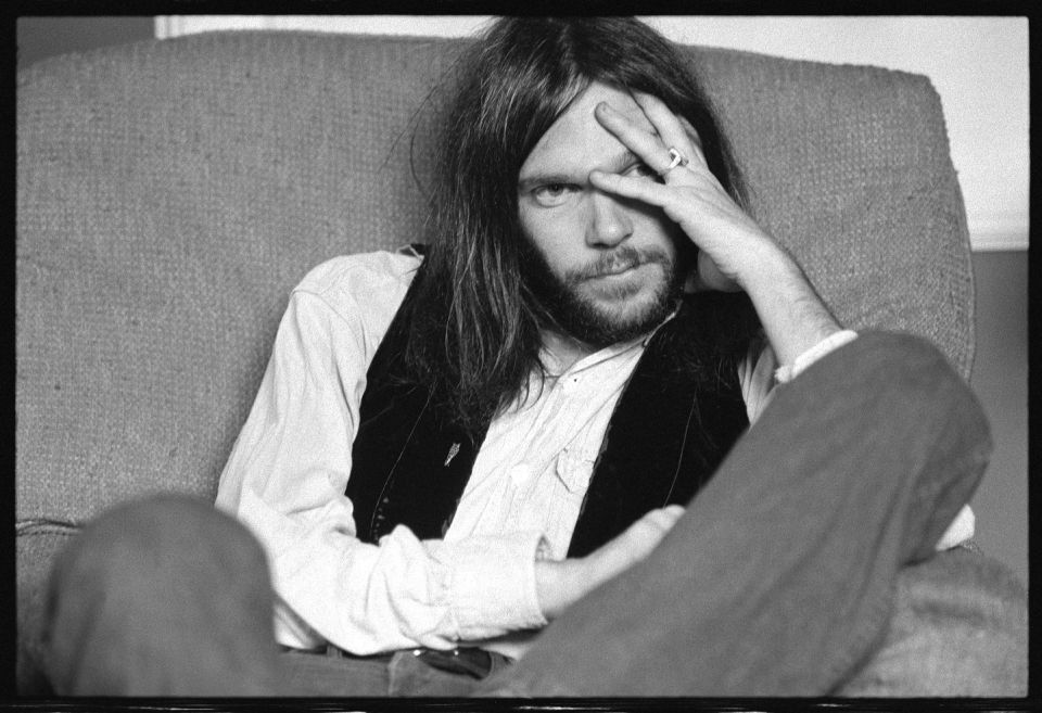 neil young goes low tech and high concept on a resonant new album of old covers the burg pop. Black Bedroom Furniture Sets. Home Design Ideas