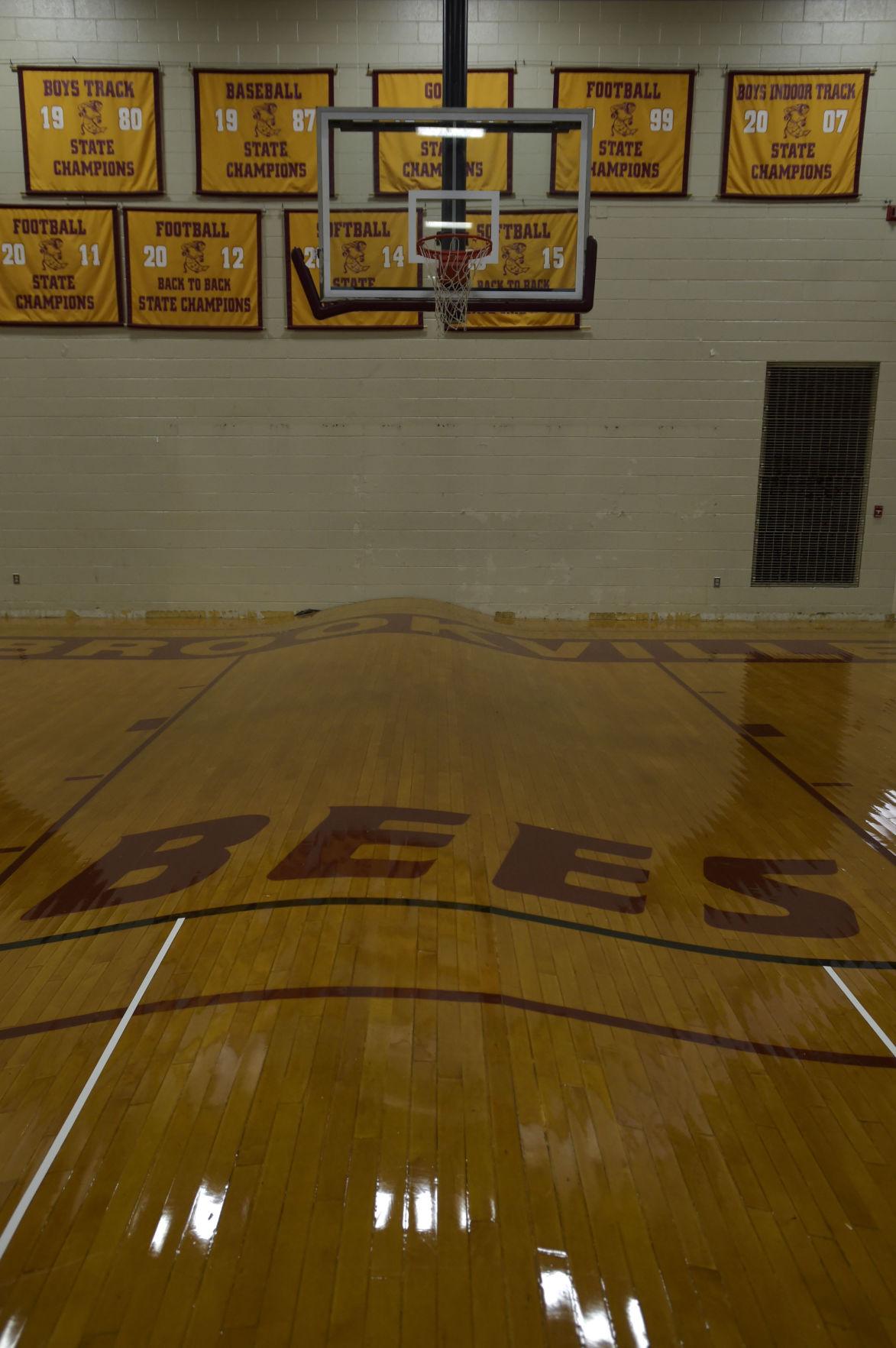 LNA 08242018 Brookville Warped Gym Floor02