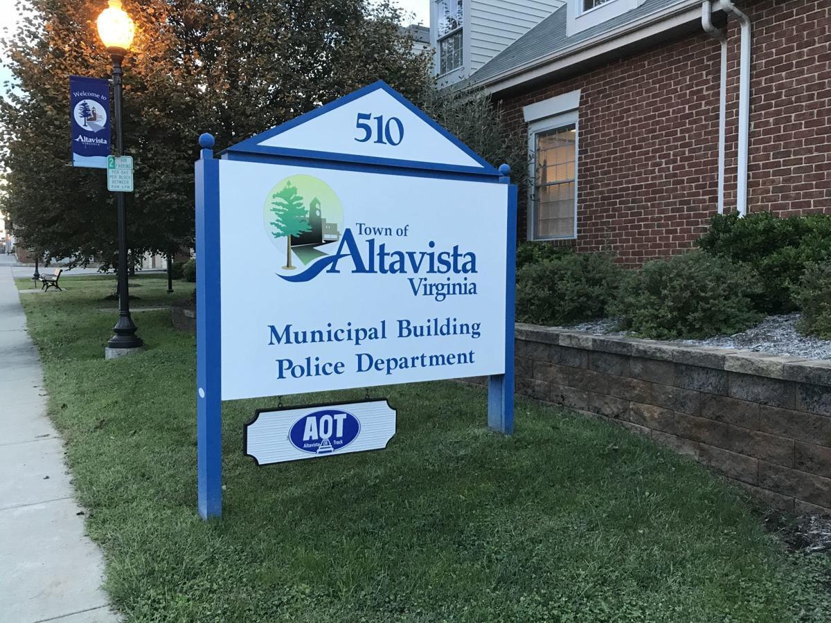 Altavista - municipal building