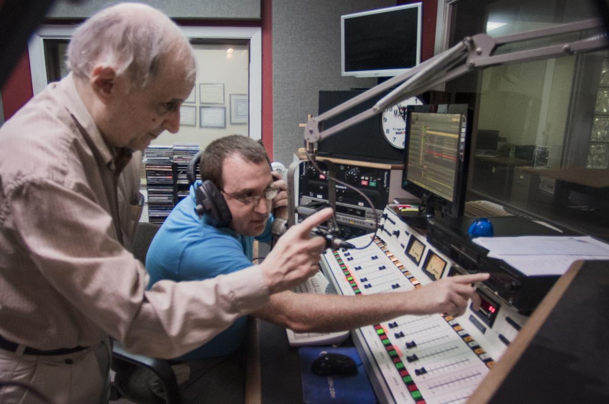 WAMV radio, 1
