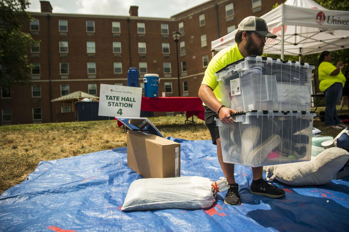UofL move in