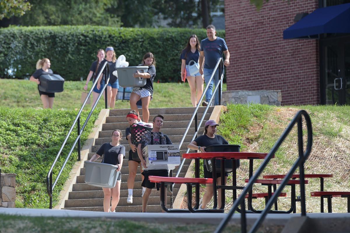 Liberty University Move In 03