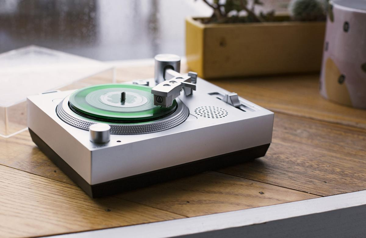 PLG-GADGETS-TURNTABLE-2-MCT