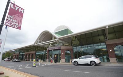 Lynchburg Regional Airport 03