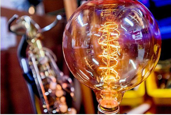 Evington man takes love of electrical engineering antiques to create unique lamps