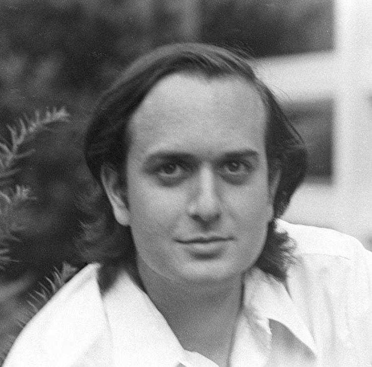 Young Bob Kahn