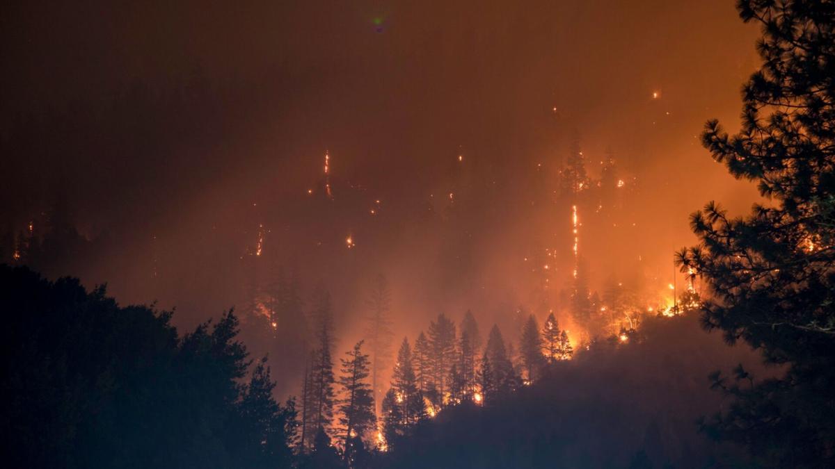 Klamath National Forest Fire Pot0911