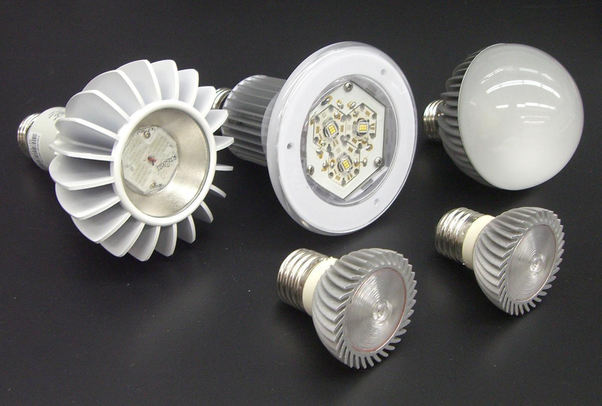Light Bulbs Pot0110