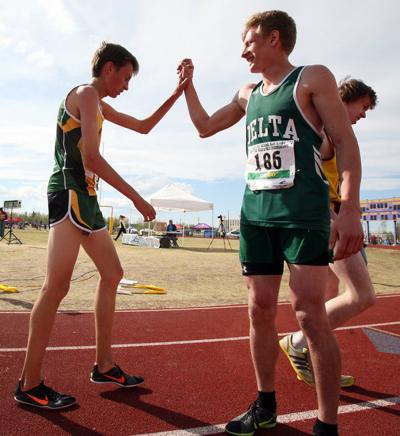 Delta Junction's Andrey Ionashku earns first state title in 3,200