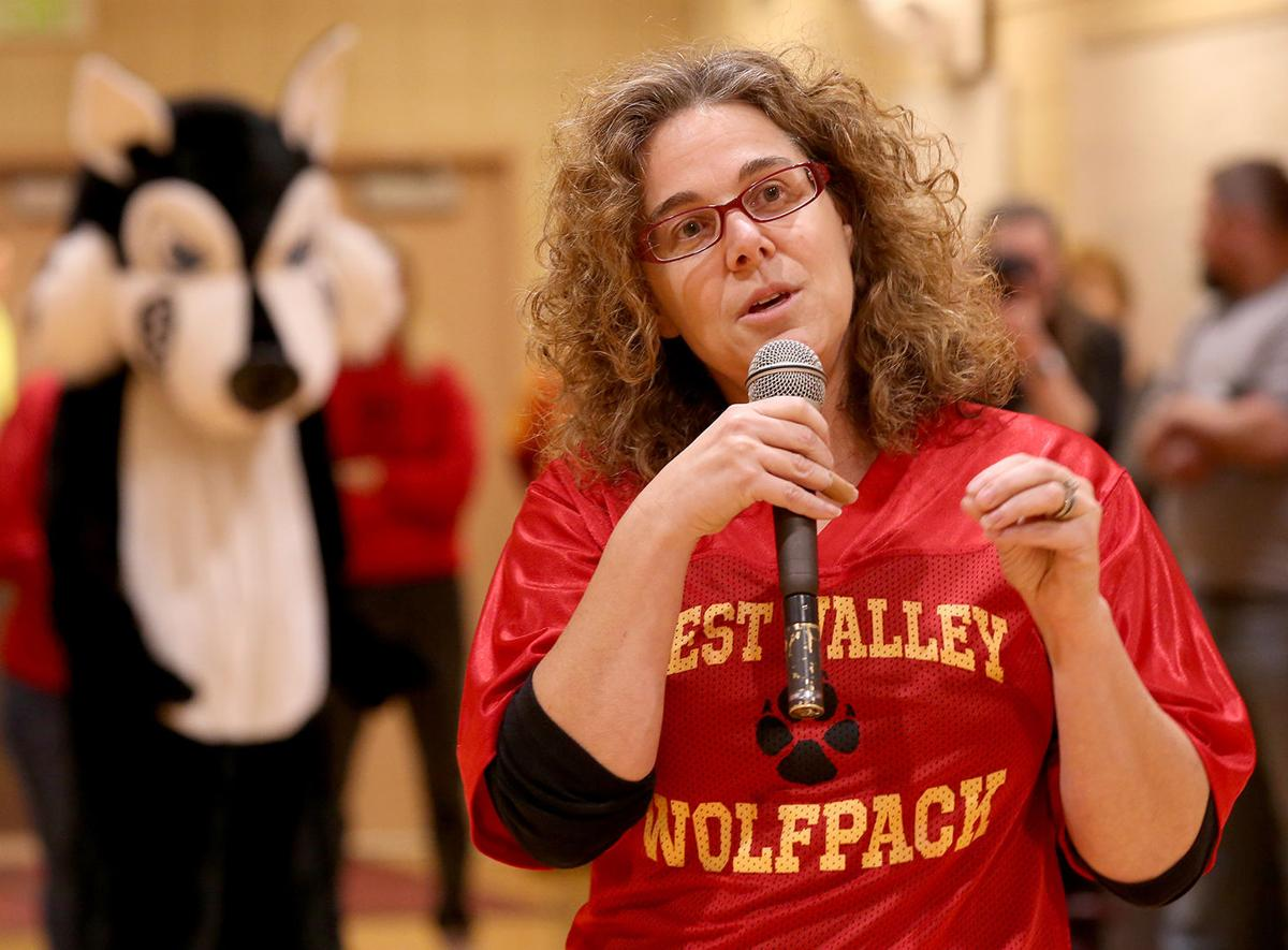 West Valley's Amy Gallaway Named 2020 Alaska Teacher Of The Year