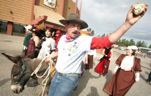 Fairbanks man keeps spirit of Felix Pedro alive with annual Golden Days re-enactment
