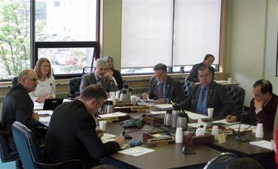Fairbanks lawmakers question university funding compact