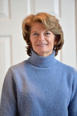 Murkowski joins Democrats in rebuke of president's emergency declaration; Sullivan sticks with Trump