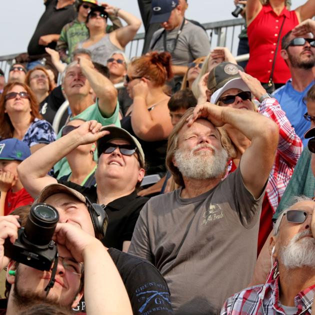 Thousands attend military aircraft exhibition, airshow at Eielson Air Force Base