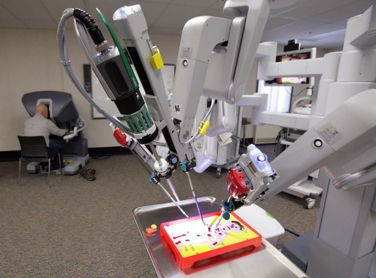 davinci surgery machine