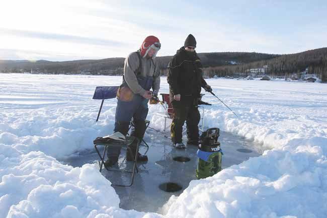 Ice fishing at harding lake going for the big ones for Fishing in fairbanks alaska