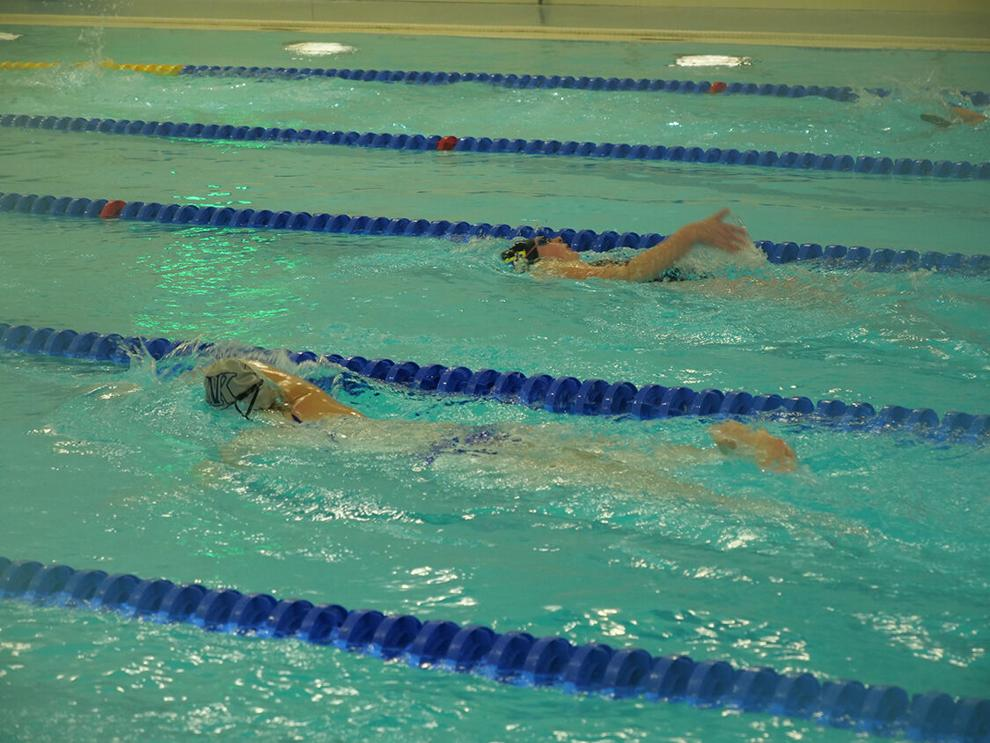 UAF swim team