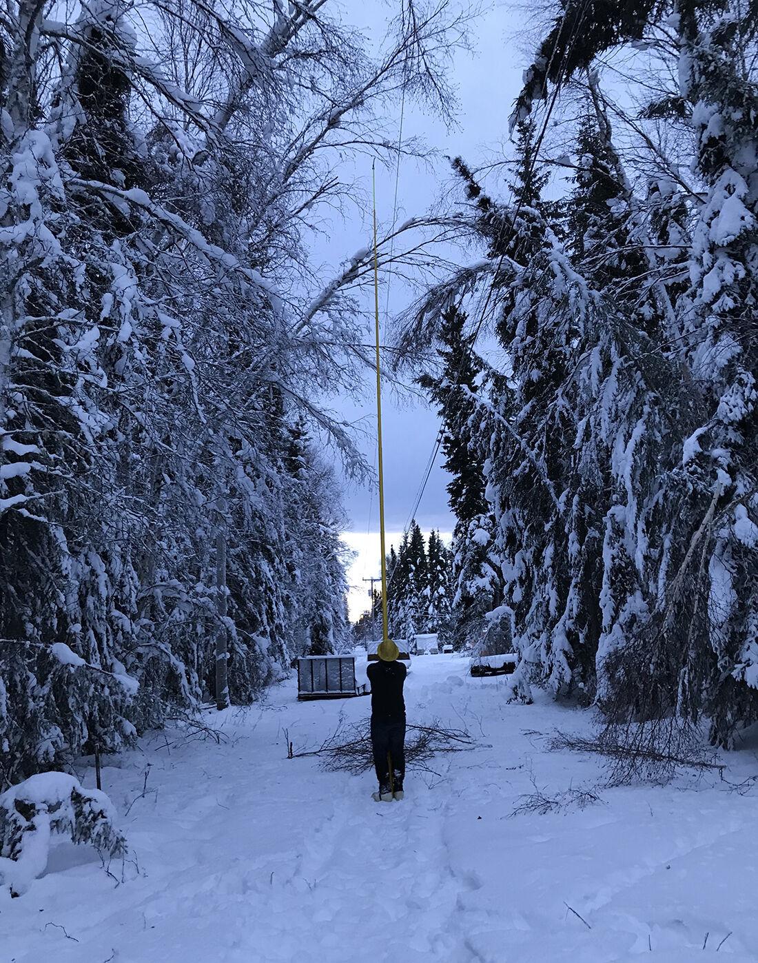 L11 (USE) LINEMEN Snow-related power line repair - photo by Ian Wiedmaier.jpg