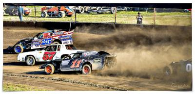 Summer dirt racing continues at Mitchell with another successful week