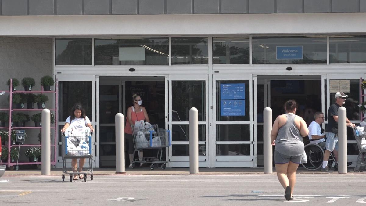 Large employers vaccine mandate Walmart picture