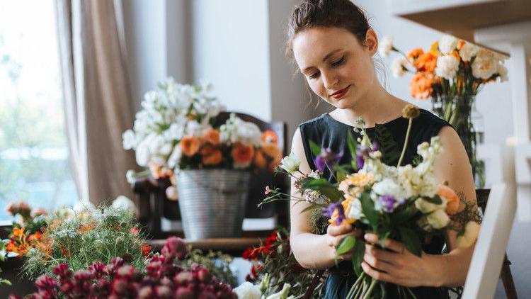 Easy floral arrangements