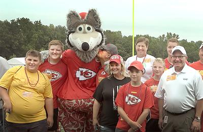 2019 Chiefs Training Camp fans photo