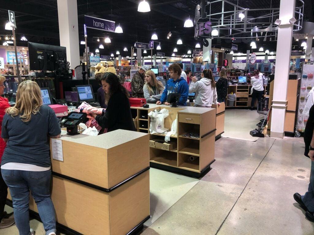 Black Friday Starts Early For St Joseph S Shoppers Local News Newspressnow Com