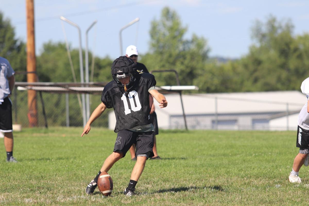 Savannah kicking