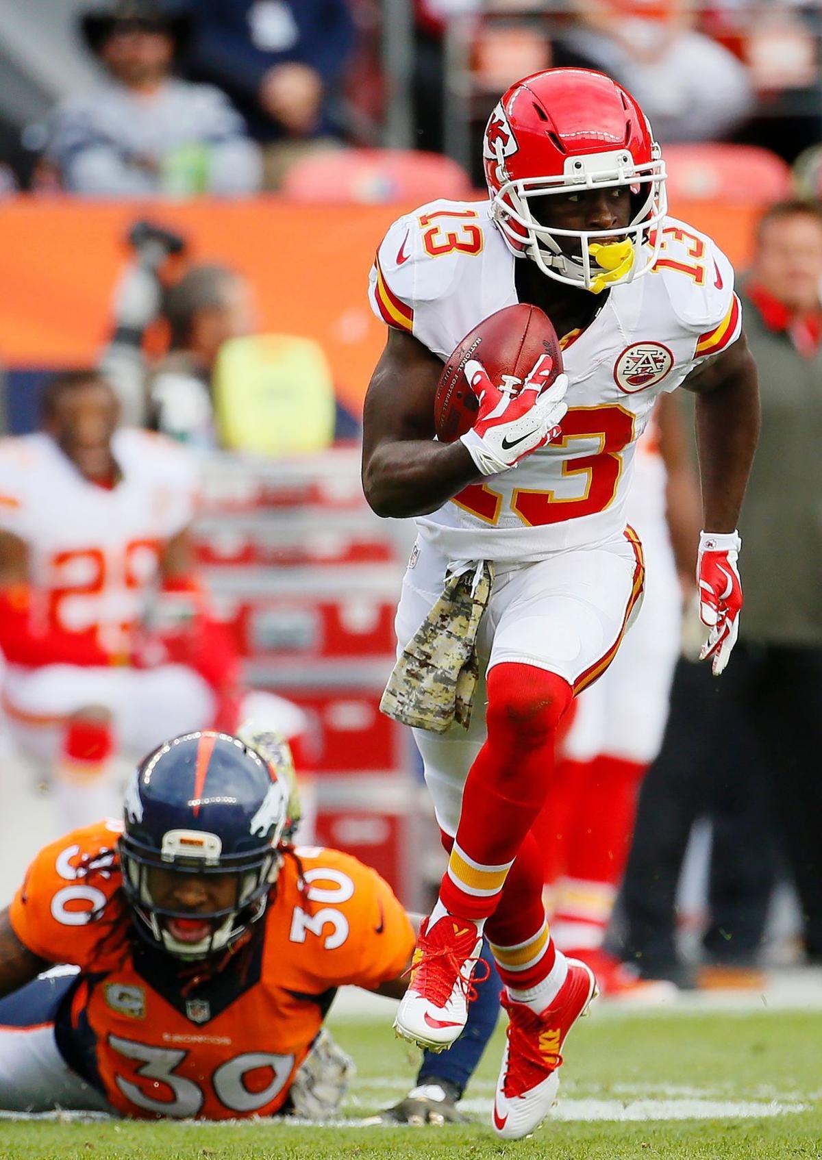 Chiefs Broncos Football (copy)