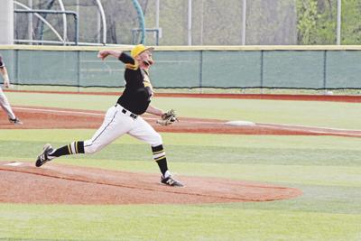 d2159df2be49 Stroup s walk-off lifts Western baseball