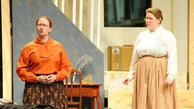 Play review: 'Arsenic and Old Lace'